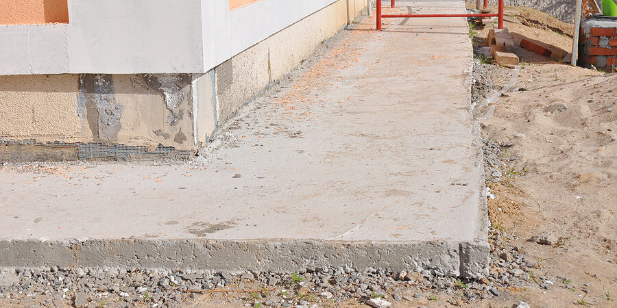 house foundation waterproofing, damp proofing with concrete path to avoid water leaks for house wall.